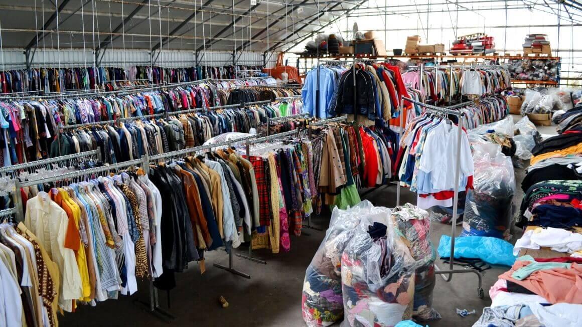 Lietoti apģērbi vairumtirdzniecībā, Second hand apģērbi, Jauni Stock apģērbi, Tekstiliju lupatiņas